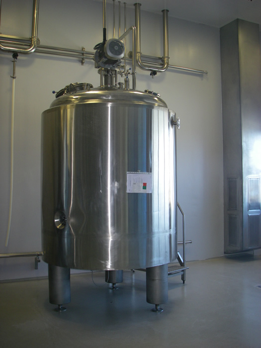 Fruit Juices and Fizzy Drinks Production and Storage Tanks